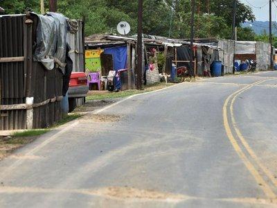 Paraguayos inundados se refugian en vecino país