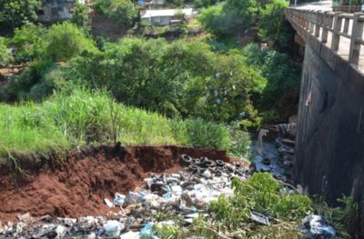 """Arroyo """"Saltito"""" se convierte en vertedero de basura y hay riesgo de brote de dengue"""