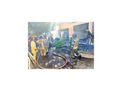 Se incendia una carpintería en inmediaciones  del Mercado 4