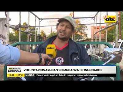 Voluntarios colaboran en mudanza de damnificados