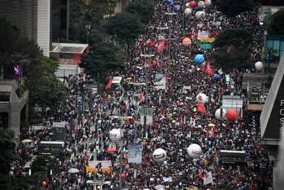 Protestas en Brasil confrontan a Bolsonaro a riesgo de rápido desgaste