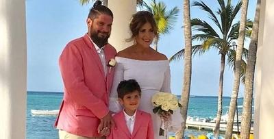 HOY / Tana Schembori y el chef se  casaron: playa frente al mar,  los invitados, el carrito de golf