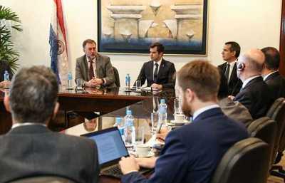 Analizan desempeño económico de Paraguay y su condición para enfrentar retos a futuro