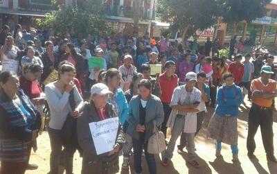 Beneficiarios de Tekoporã se manifiestan en Tava'i