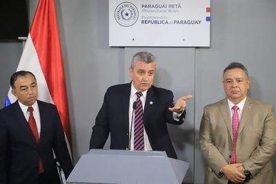 Ministro del Interior admite que existieron dos comunicaciones paralelas y que Policías son de inteligencia