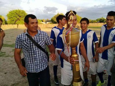 Piden botines para jugar la Copa Paraguay