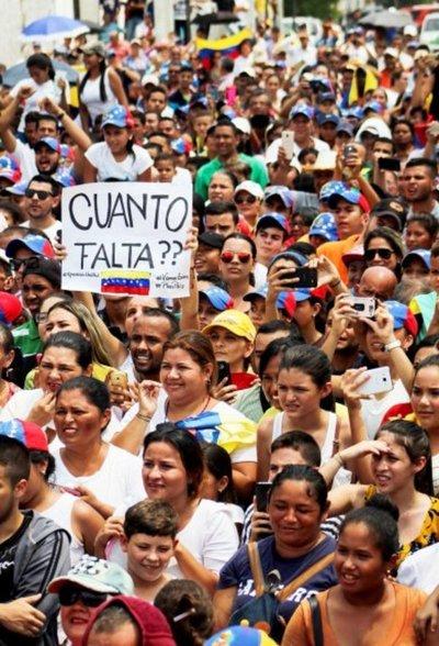 """Maduro dice que hay """"buenas noticias"""" en exploración de diálogo con oposición"""