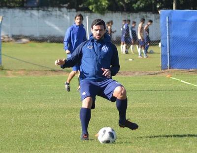 """Ernesto """"Pinti"""" Álvarez ya no sigue en Sol de América"""