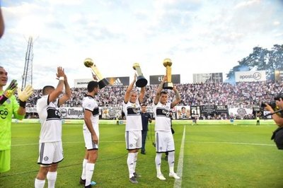 Olimpia derrota a Guaraní y completa el tricampeonato con el invicto
