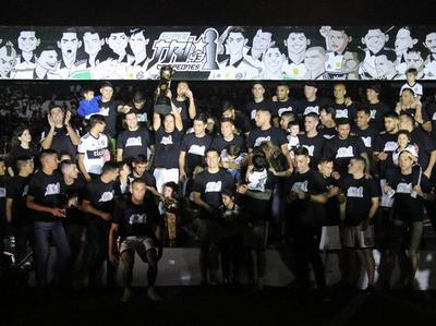 El Decano celebró con su gente el campeonato invicto