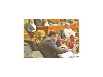No existe voluntad política para tratar el desafuero de Rivas