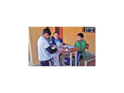Justicia Electoral de Santaní asiste elecciones de niños