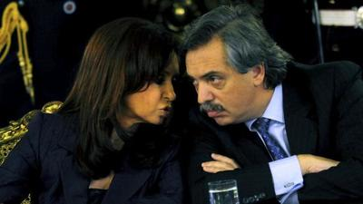 Cristina de Kirchner se postula a la vicepresidencia de Argentina
