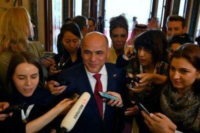 Ministro venezolano dice que la economía del país está bajo el asedio de EEUU