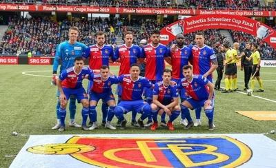HOY / Riveros levanta la Copa de Suiza con el Basilea