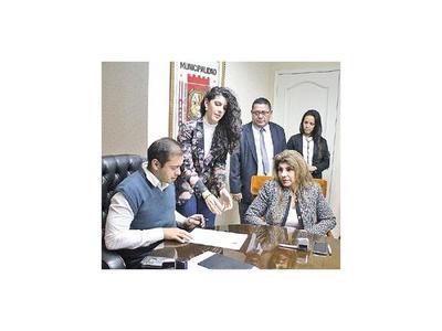 Barrida de funcionarios  en CDE por contrataciones irregulares
