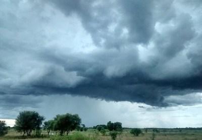 Meteorología anuncia un lunes cálido y con lluvias.