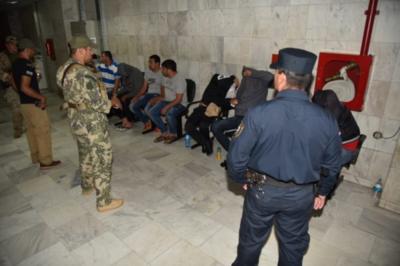 Dictan prisión preventiva para presuntos narcopolicías
