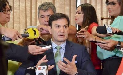 HOY / Senado comenzó a violar la CN al impedir que juren Cartes y Nicanor