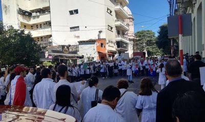Médicos no aceptarán veto al proyecto de ley
