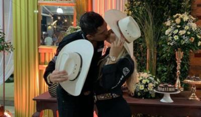 HOY /  Junior Rodríguez y Fátima Román se casan