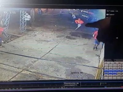 Difunden imágenes del momento de homicidio de hincha
