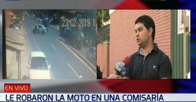 Denuncian robo de motocicleta de comisaría