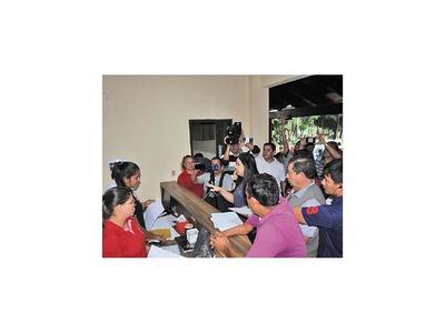 Entre amenazas y agresión, inició  censo sobre funcionarios  en CDE