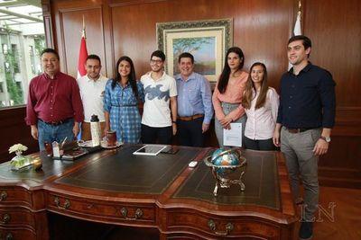 Becada se refirió a la reunión con Horacio Cartes