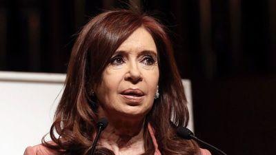 Cristina protestó en Twitter antes de juicio oral