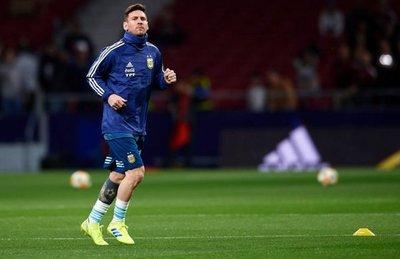 Scaloni convoca a Messi, Di María y Agüero