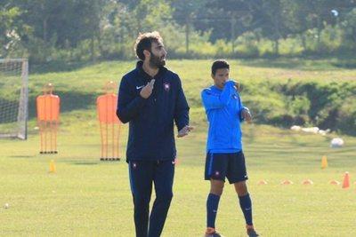 """Cerro: """"estamos a full buscando el nuevo entrenador"""""""