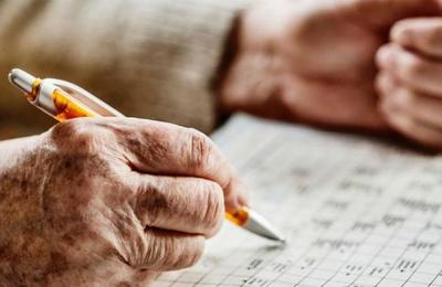 Estudio asegura que resolver crucigramas y sudokus rejuvenece el cerebro hasta diez años