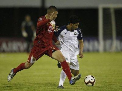 Cecilio marca un golazo, pero Independiente cae sorpresivamente