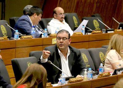 Diputados aprueban desafuero de Tomás Rivas