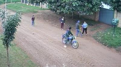 Capturan a hermanos sospechosos de asaltar a mujeres y niño