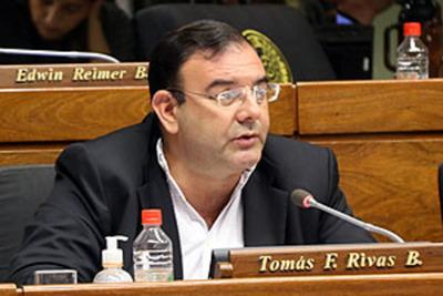 Diputados retiran fueron a Tomas Rivas