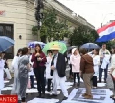 Huelga de médicos: Salud apela al diálogo
