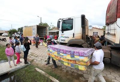 Campaña Paraguay Solidario entregó donativos a damnificados de Pilar