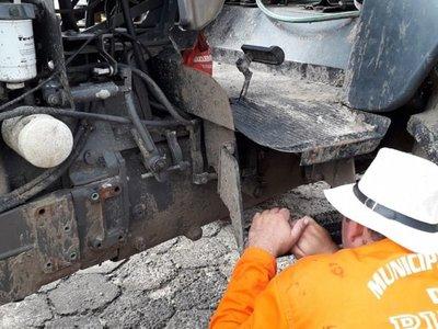 Atentan contra tractor que alimentaba una motobomba en Pilar