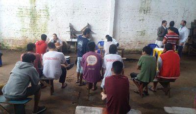 Brindan asistencia a indígenas en Penitenciaría Regional