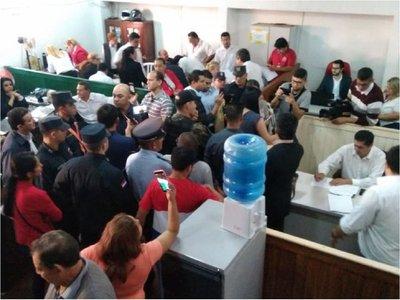 Municipalidad de CDE comunica desvinculación a 400 funcionarios
