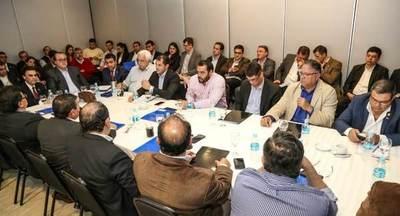 Socializan con gobernadores el decreto que asigna recursos recibidos de EBY