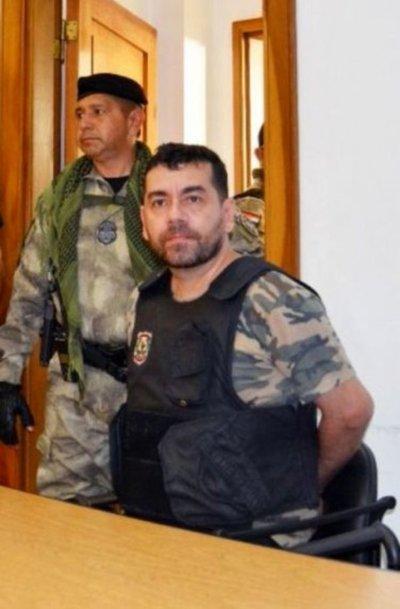 Suspenden juicio a Ariel Oviedo