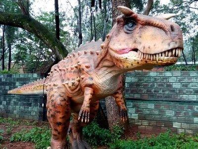 El sorprendente Parque Jurásico llegó a Luque