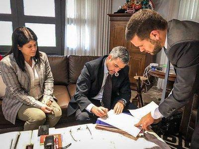 Ejecutivo promulga ley de desbloqueo de listas y voto electrónico