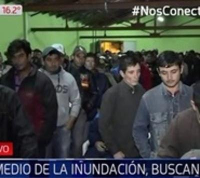 Ñeembucú: En medio de la inundación, afectados buscan empleo