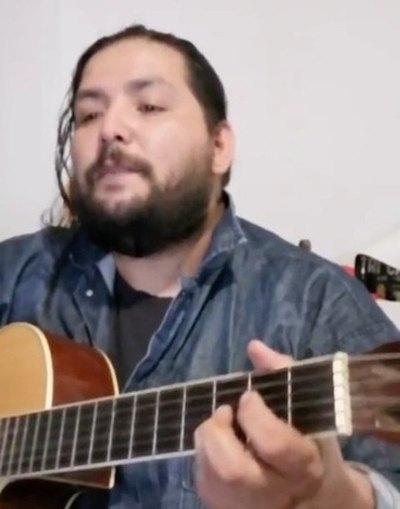 ¡Es furor por canciones famosas en guaraní!