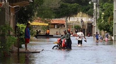 HOY / Río no para de crecer en Pilar y llega a 8,73 m