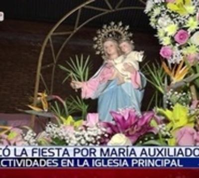 Feligreses celebran la festividad de María Auxiliadora